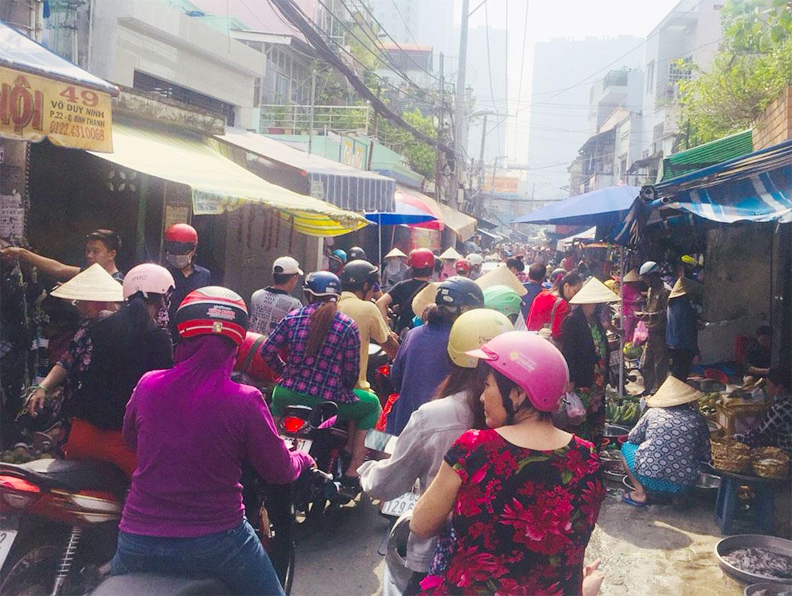40代男性/外資系人事総務:日本勤務→日系会計コンサルタント:ベトナム勤務
