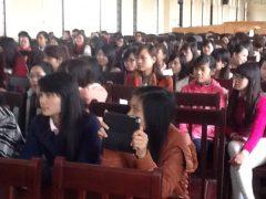 日本語を学んでいるベトナム人学生について