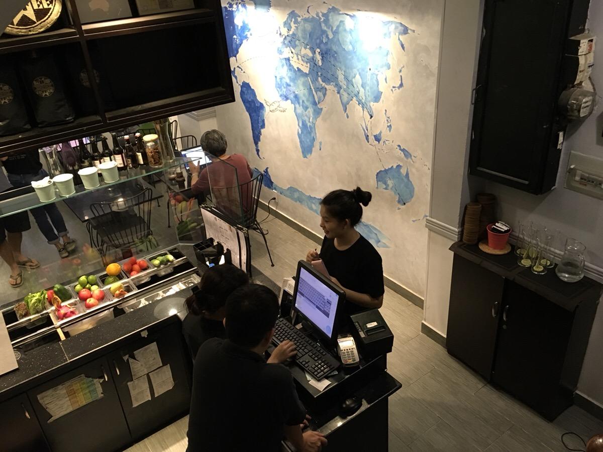 Journeys Sandwich Café店内