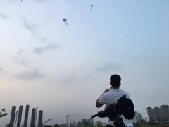 ホーチミン2区の不動産開発エリアでのんびり凧あげ!