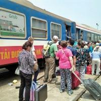 ベトナム国有鉄道「統一鉄道」(ダナン-フエ)