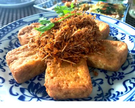 隠れ家 ベトナム料理 ホーチミン Bloom