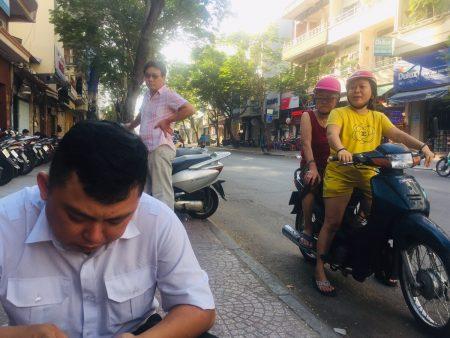 ベトナム ホーチミン 路上 フーティウ HU TIU MI CA PHAT MAP