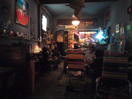 ベトナム ホーチミン バー Bar 隠れ家 音楽