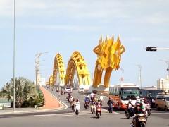 ダナンといえばロン橋(Cầu Rồng) ~歩いてこその龍の橋~
