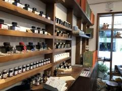 ホーチミン1区にある、文房具ラブな地元っ子が集まるオシャレ文房具店