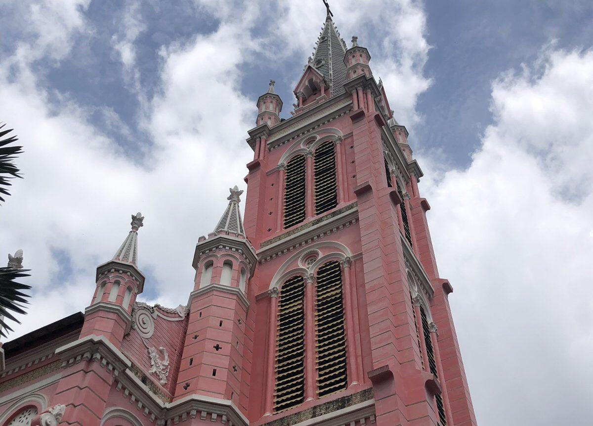 ベトナム ホーチミン タンディン教会 観光 ピンクの教会