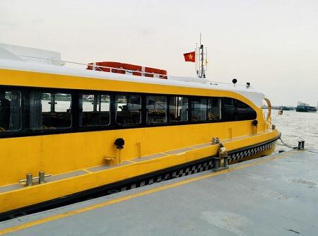 ホーチミンの水上バス