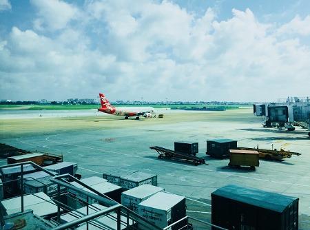 エアアジア機体着陸
