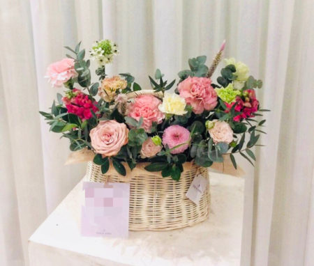 ホーチミン市内で購入できるかごタイプの花