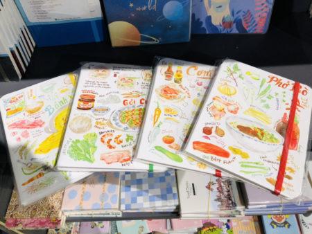 ベトナムの伝統的な料理のイラストが印刷されたノート