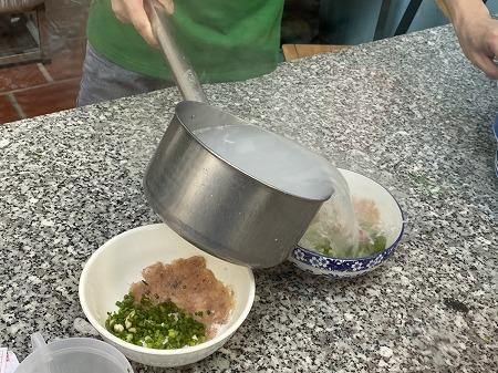 ベトナムフーコック名物麺料理BUNQUAY 調理場の様子