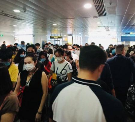 タンソンニャット空港国内線の混雑具合