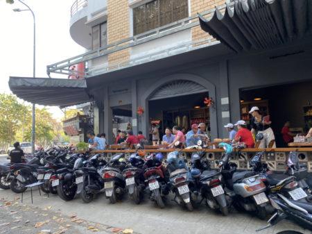 ホーチミンのバイク駐輪