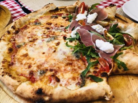 イタリアンレストランPIZZA REALのハーフ&ハーフピザ