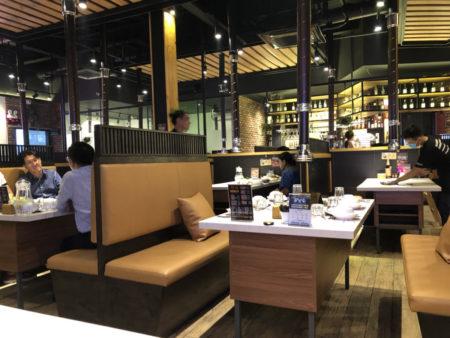 韓国式焼き肉店CHEONGDAM BBQ & SUSHIの店内