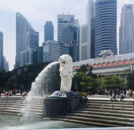 シンガポールのマーライオン像