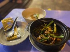 シンガポール名物 ベトナムホーチミンで食べられるカエル肉お粥の専門店