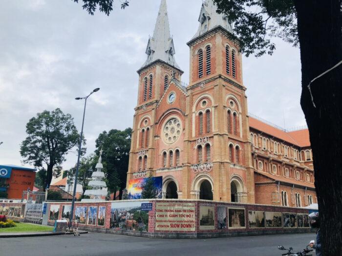 ホーチミン1区の教会