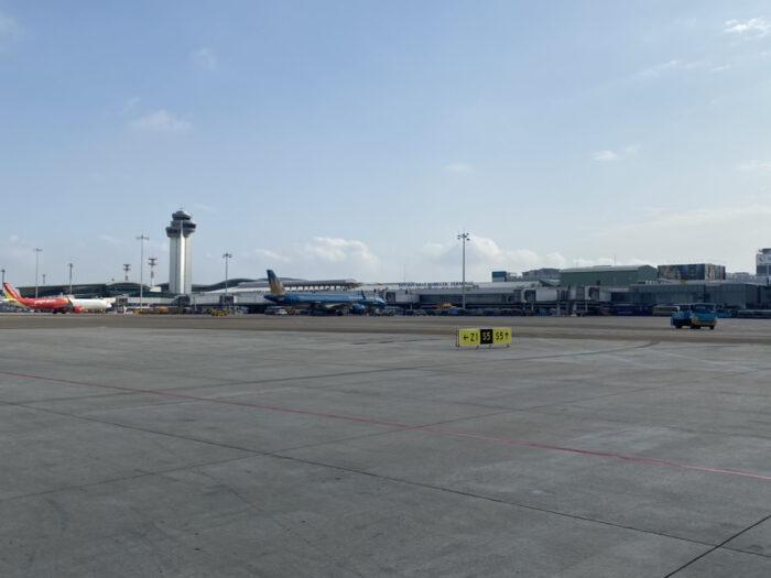 タンソニャット空港